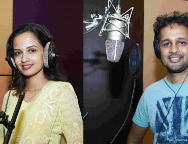 Ketaki Mategaonkar and Hrishikesh Ranade Sings for Pahile Me Tula