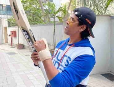 cricket lover siddharth jadhav