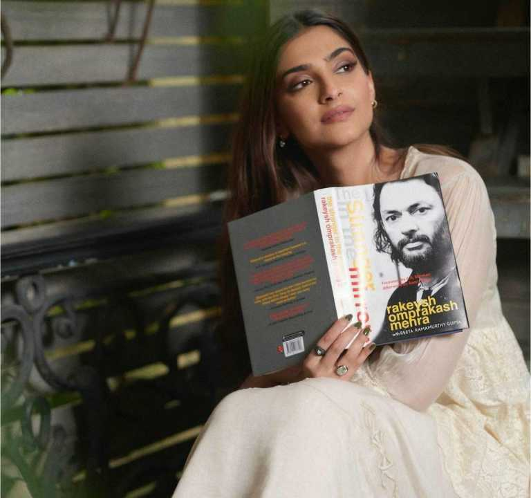 Sonam Kapoor unveils the cover of Rakeysh Omprakash Mehra's debut book 'The Stranger In The Mirror'